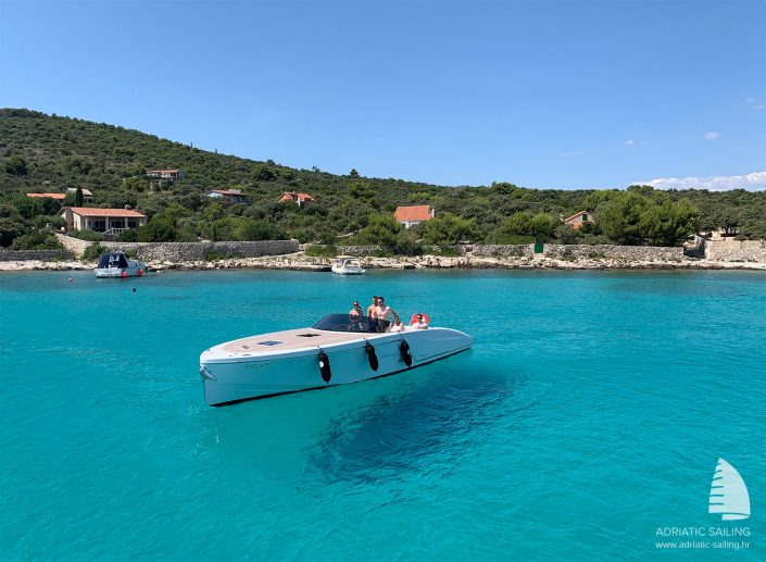 Luxury speedboats Croatia