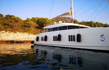 "<a href=""https://www.adriatic-sailing.hr/fleet/sunreef60/"">SUNREEF 60</a>"